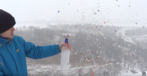 How to make a cracker with plastic bottles